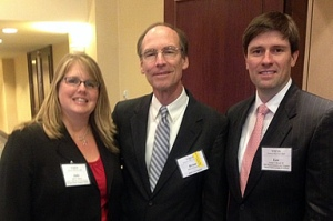 Prof. Murchison with W&L Law alums Les Brock and Julie Palmer.